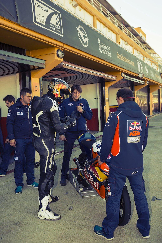 moto3_pits