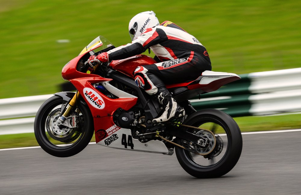 Supertwin_wheelie copy
