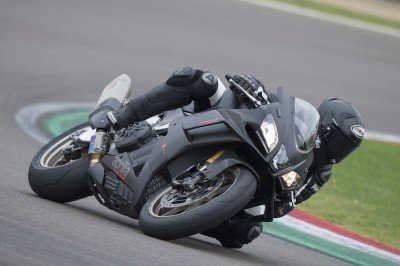 Max Biaggi still doing kneeskids at 84 years old...